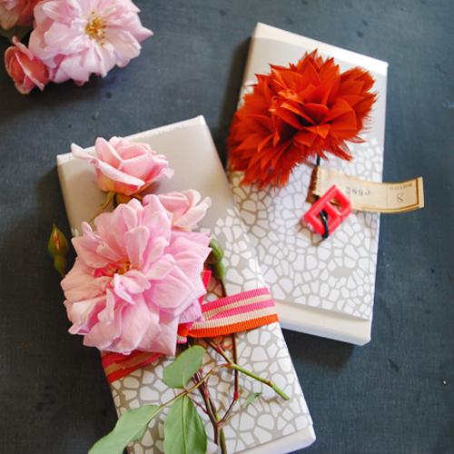 Цветок для упаковки подарка своими руками